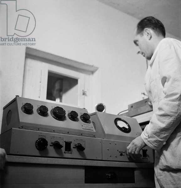 Switzerland Second World War Records Recording, 1940 (b/w photo)