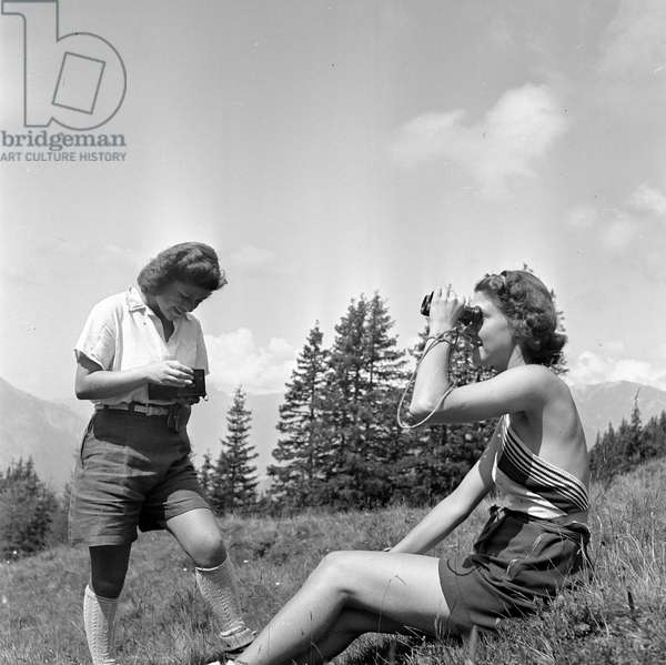 Switzerland Swiss Abroad Home Holidays, 1943 (b/w photo)