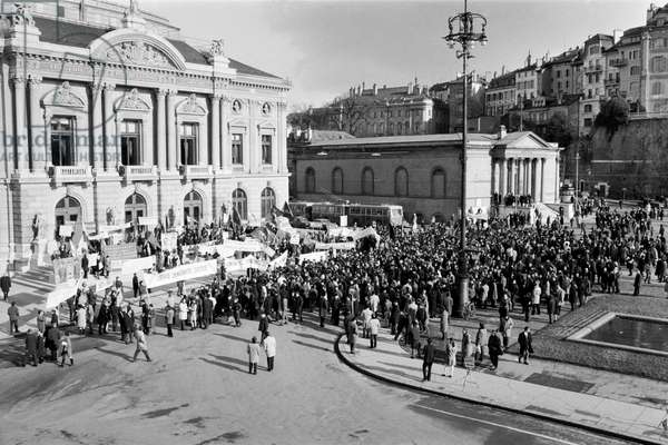 On 8 February 1969, a demonstration took place in Geneva against the French dictatorship and the declared state of exception in Spain (b/w photo)