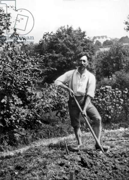 Vassily Kandinsky, 1915 (b/w photo)