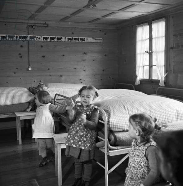 Switzerland Children Home Sunnehus Frutigen (b/w photo)