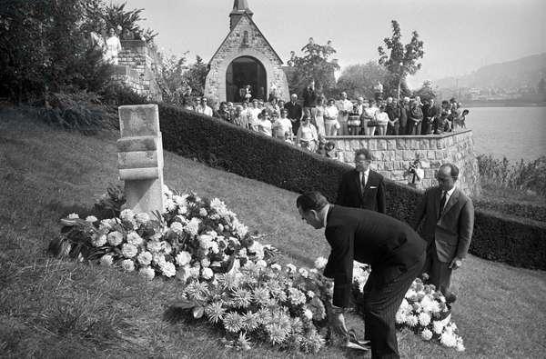 Switzerland Memorial Astrid Of Belgium, 1966 (b/w photo)
