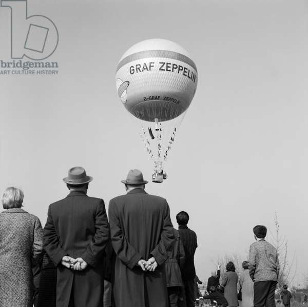 On the 50th anniversary of Count Zeppelin's death, a balloon with the inventor's name was launched in Friedrichshafen on March 7, 1967 (b/w photo)