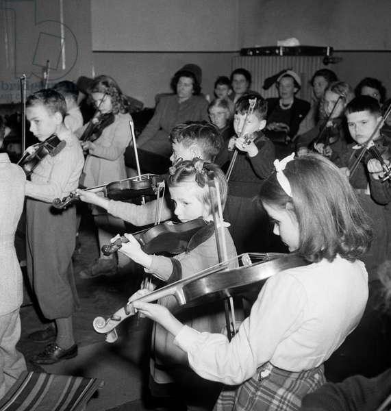 Switzerland Music Children, 1950 (b/w photo)