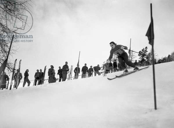 Italian ski racer Celina Seghi in action at the 1948 Winter Olympics in St. Moritz in the slalom of the combined classification, recorded on 4 February 1948.