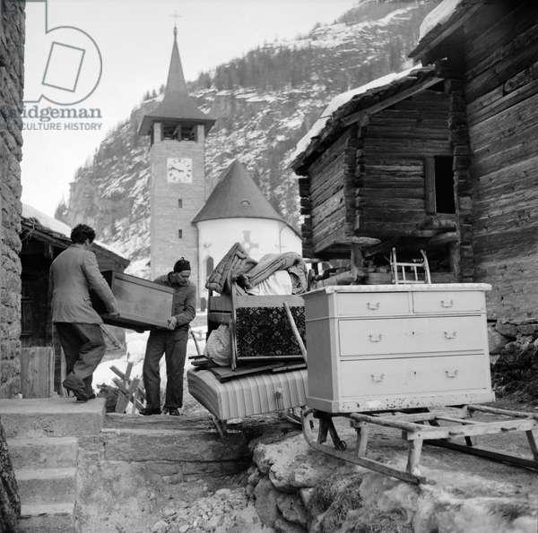 Bringing Switzerland Valais Here, 1959 (b/w photo)