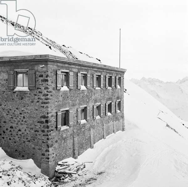 Switzerland Institute Of Snow And Avalanche Research, 1943 (b/w photo)
