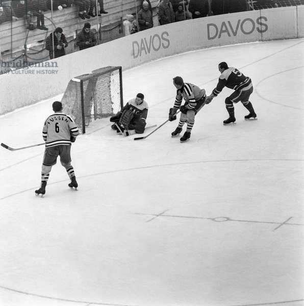 Spengler Cup, 1962 Ev Foot Klagenfurter Ec (b/w photo)