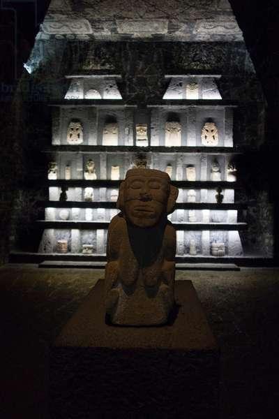Diego Rivera statue, Museum Anahuacalli