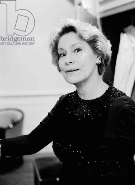 Júlia Várady at Salle Pleyel, Paris, 1998