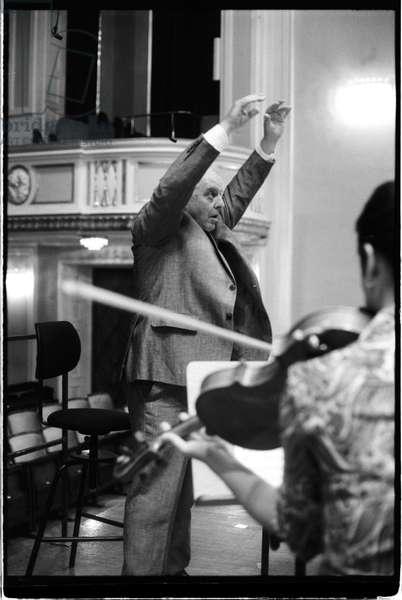 Daniel Barenboim conducting at Mozarteum