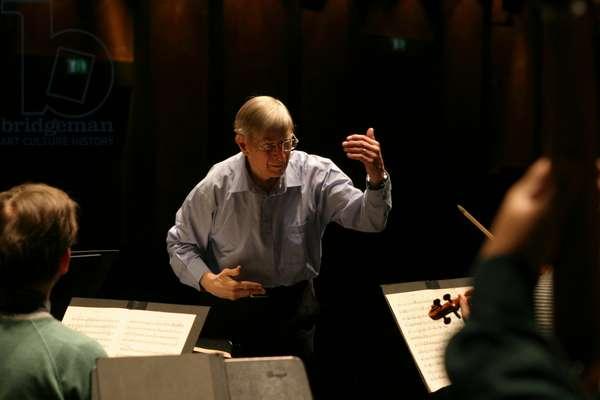 Herbert Blomstedt conducting