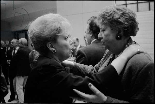 Mirella Freni in conversation with Elisabeth Koehler at Opera de Paris Bastille, 1992 (b/w photo)