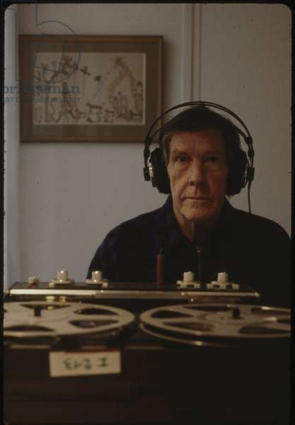 John Cage in the house of Dorothea Tanning, 1981 (photo)