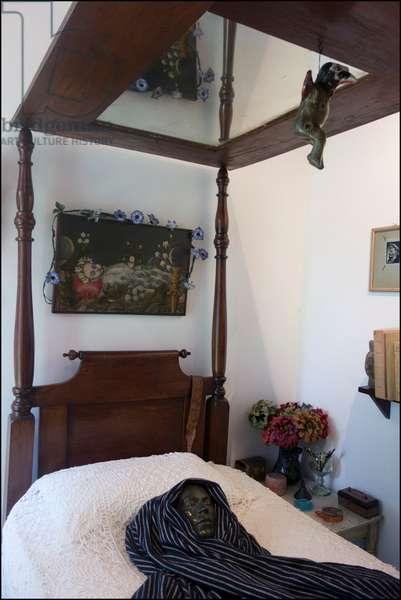 Bed of Frida Kahlo, 2014