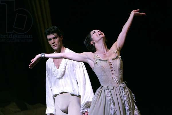 Manon - scene from the ballet of the opera by Jules Massenet of the Royal Ballet at the Royal Opera House, London (photo)