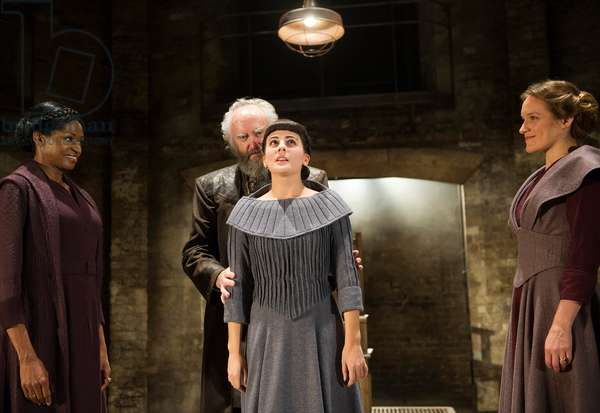 Jenny Jules (Regan), Jonathan Pryce (King Lear), Phoebe Fox (Cordelia) and Zoe Waites (Goneril) in King Lear by William Shakespeare at Almeida Theatre. Directed by Michael Attenborough. (Opening11-09-12) (photo)