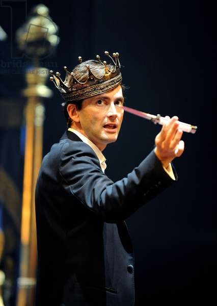David Tennant in the lead role of Hamlet (photo)