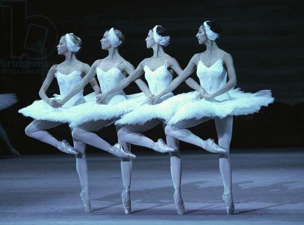 Pyotr Ilyich Tchaikovsky 's  Swan Lake with The Bolshoi Ballet at the Royal Opera House , London (photo)