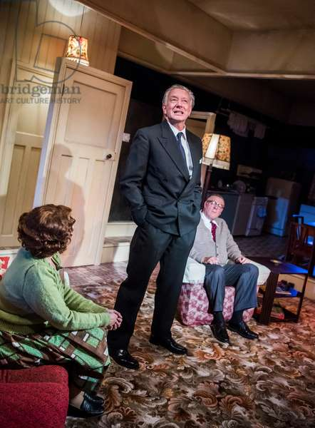 Finty Williams (Barbara Jackson), Jasper Britton (Stewart) and Chris Larkin (Bob Jackson) in Pack Of Lies by Hugh Whitemore at Menier Chocolate Factory, 2018 (photo)