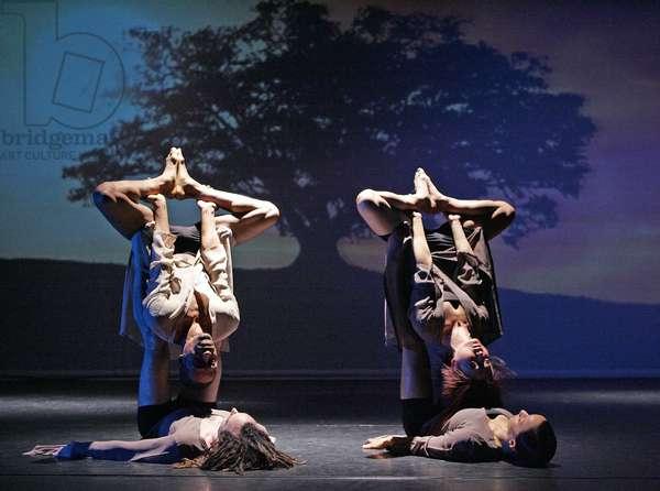 Union Dance's production 'Heaven on Earth' choreographed by Tayeb Benamara (photo)