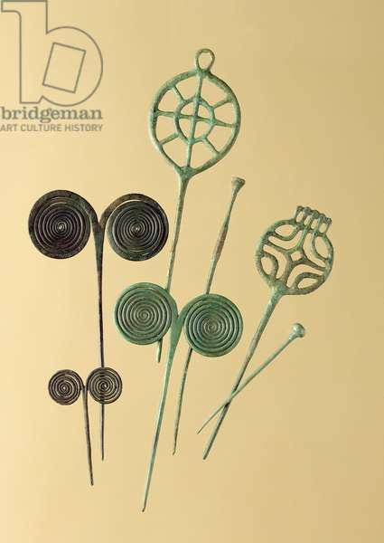 Needles, from Ober- und Unterbinbach, Haina, Grossenlueder und Liebenau (bronze)