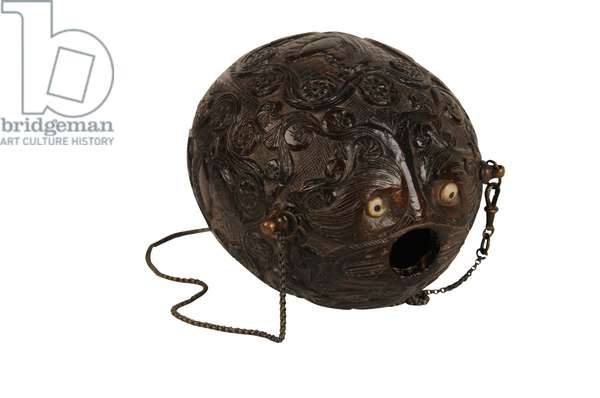 Carved coconut powder flask bugbear, Spanish Colonial, c.1800 (coconut)