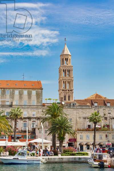 The harbour, The tower in the background is the bell tower of Saint Domnius cathedral, Split, Dalmatian Coast, Croatia (photo)