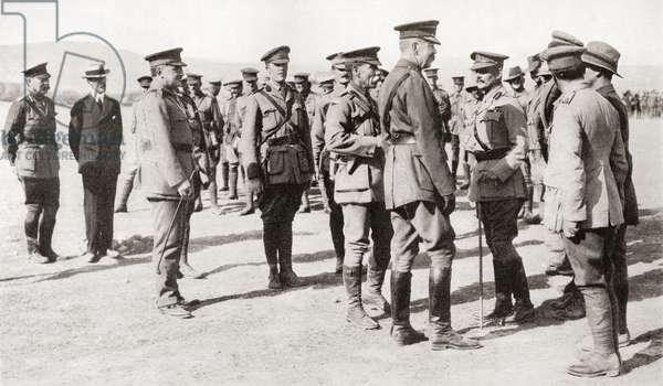 """Lord Kitchener's visit to Gallipoli, among the Australian troops at """"Anzac"""".  Field Marshal Horatio Herbert Kitchener, 1st Earl Kitchener, 1850 – 1916. British Field Marshal.   From Field Marshal Lord Kitchener, His Life and Work for the Empire, published 1916."""