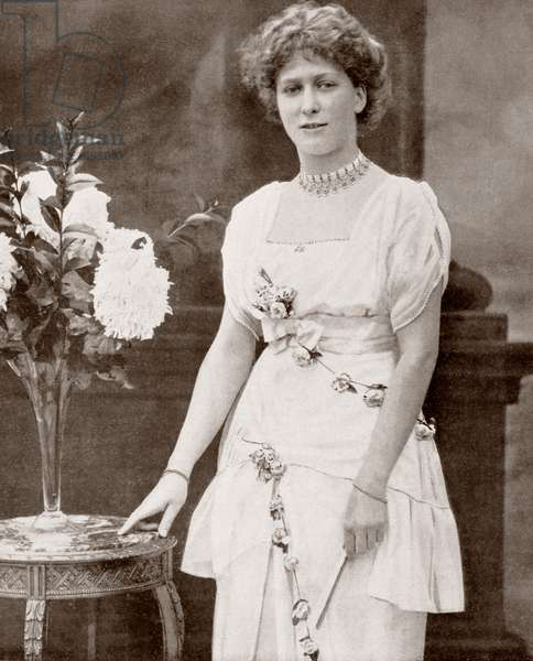 The Princess Mary, Princess Royal and Countess of Harewood (Victoria Alexandra Alice Mary) 1897 –1965).  Third child and only daughter of King George V and Queen Mary.  From  La Esfera, 1914.