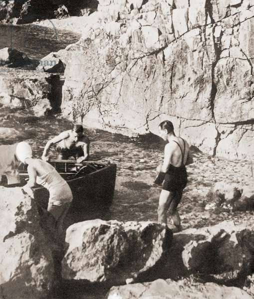 King Edward VIII and his future wife Mrs. Simpson bathing at Dubrovnik during their Mediterranean cruise of 1936