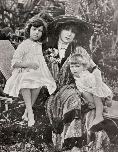 Sarah Bernhardt with her great grandchildren