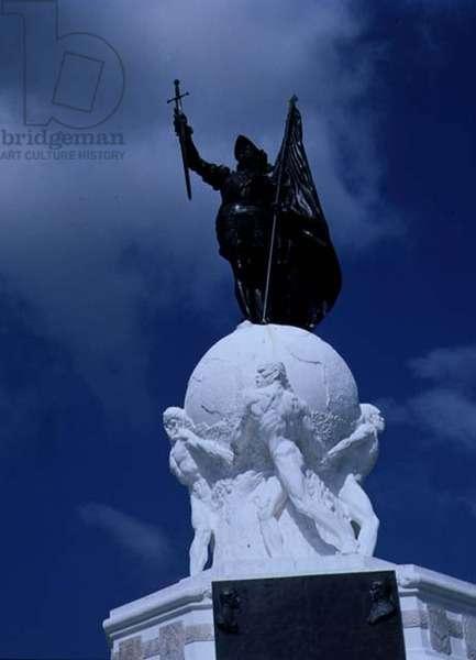 Bronze Statue of Vasco Nunez de Bilboa (1475-1519) (photo)