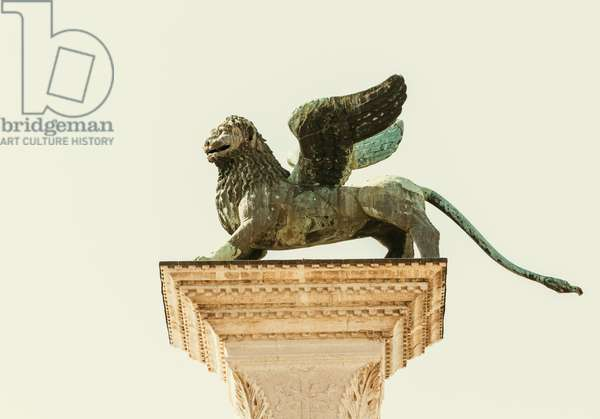 Lion of Venice statue, Venice, Italy (photo)