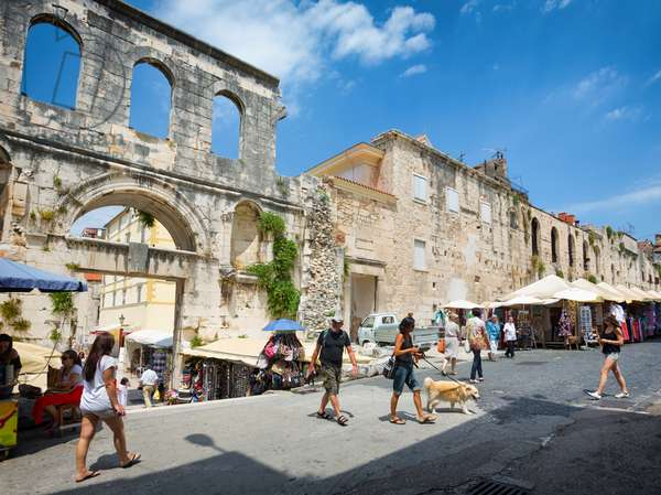 The Eastern Gate to the Palace of Diocletian, also known as the Silver Gate, Split, Dalmatian Coast, Croatia (photo)