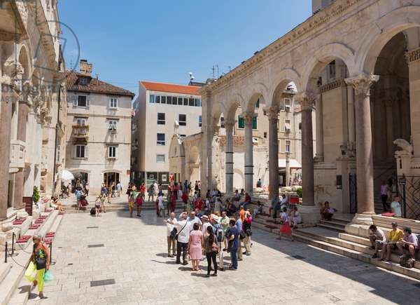 Peristyle or Perestil Square, Split, Croatia (photo)