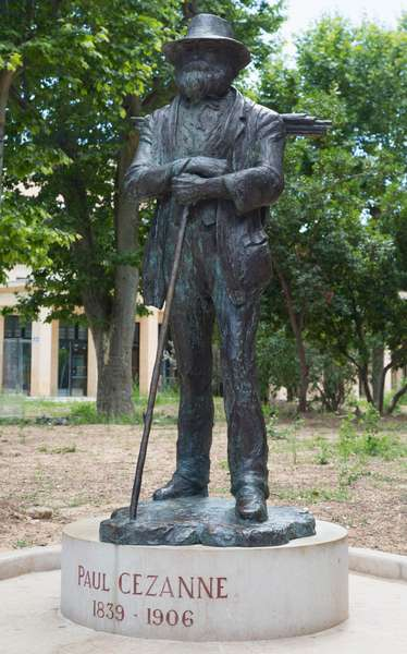 Statue Paul Cezanne, Place de la Rotonde, Aix-en-Provence, France (photo)