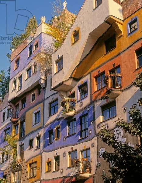 Vienna, Austria. Hundertwasserhaus. (photo)