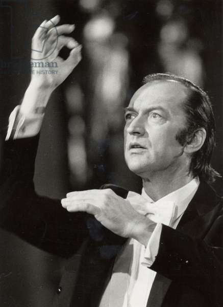 HARNONCOURT Nikolaus conducting German
