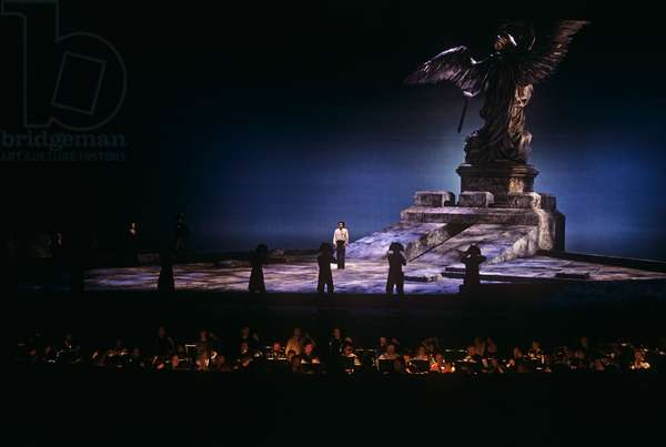 La Tosca - scene from the opera by Giacomo Puccini, performed at the Salzburg Festival in 1988, conducted and directed by Herbert von Karajan, with Fiamma Izzo d'Amico (Floria Rosca), Luis Lima (Cavaradossi), Franz Grundheber (Scarpia). Italian composer: 22 December 1858 - 29 November 1924.Orchestra pit visible
