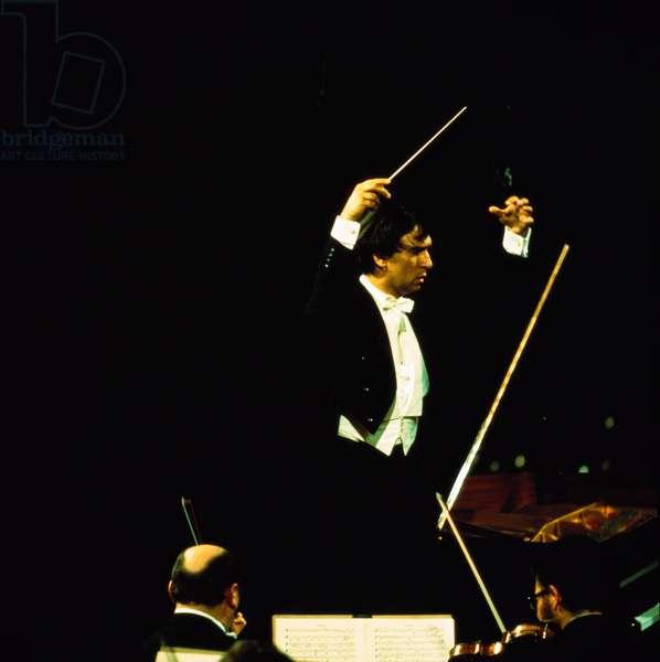 Claudio Abbado conducting with