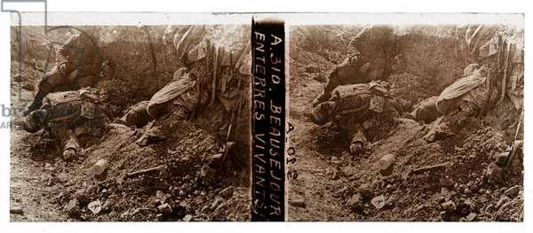 Buried alive, Beauséjour (b/w photo)