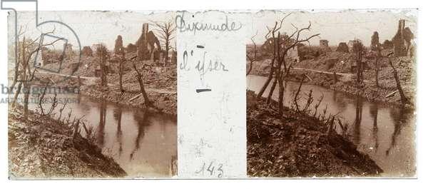 River Yser (b/w photo)