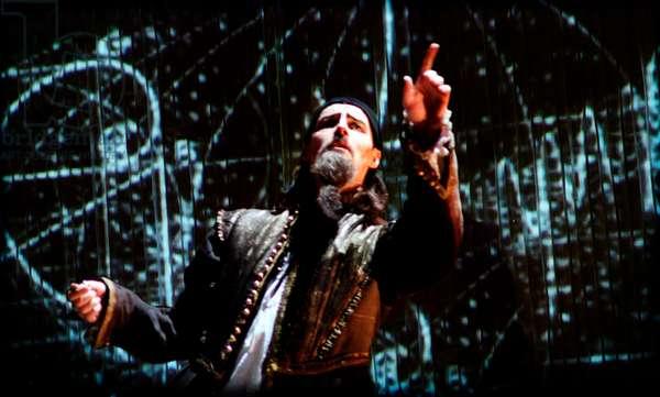 Dr. Dee – opera by Damon Albarn