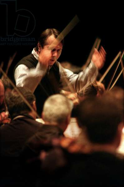 Mikhail Pletnev conducting the