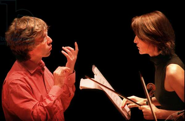 Viktoria Mullova with conductor