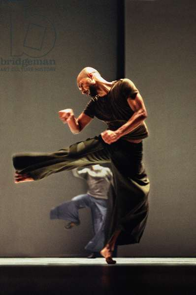 Akram Khan dancing in