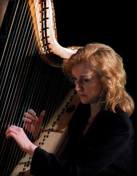 Siobhan Armstrong, harpist