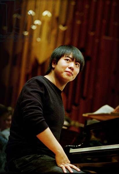 Lang Lang rehearsing Tan Dun 's Piano Concerto