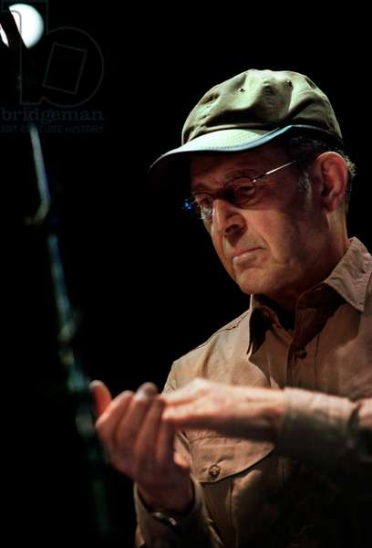 Steve Reich rehearsing 'Clapping Music'